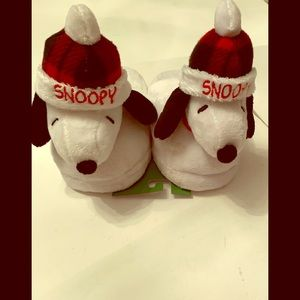 Peanuts Snoopy Slippers Size M (13-1) Kids NWOT